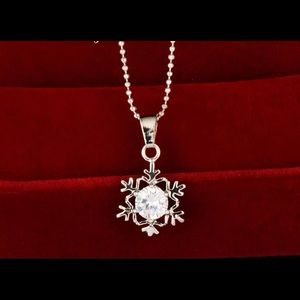 Jewelry - WHITE GOLD PLATED CRYSTAL SNOWFLAKE NECKLACE